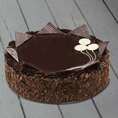 Lip-Smacking 4.4 Lbs Chocolate Cake from 3/4 Star Bakery