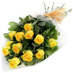 Divine Yellow Roses Bunch of Romantic Moment