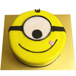 Beautifully-Design Minion Cake