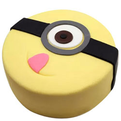 Enticing Minions Fondent Cake for Kids