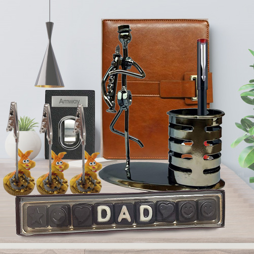 Wonderful Gift Hamper for Dad