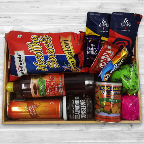 Delicious Holi Snacking Hamper