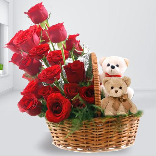 Stunning Arrangement of Twin Teddy and Red Roses