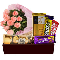Remarkable Gift Hamper of Flowers N Assortments