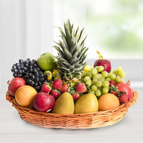 Delicious Seasonal Fruits basket gift hamper