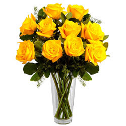 Eye-Catching Arrangement of Yellow Roses in a Vase