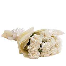 Heavenly Moments White Carnations Bunch