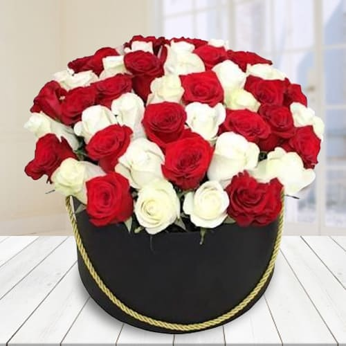 Attractive Red and White Roses Hat Box