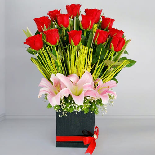 Premium Red Roses n Pink Lilies Gift Box