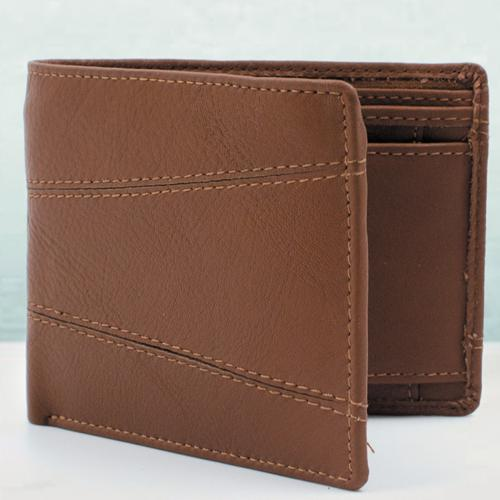 Fashionable Gent�s Brown Color Leather Wallet