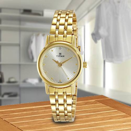 Amazing Titan Karishma Revive Analog Womens Watch