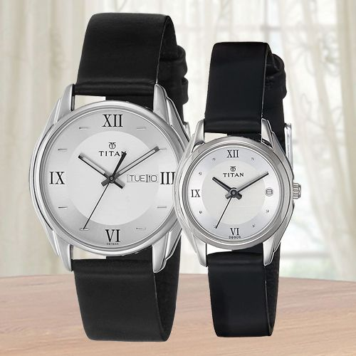 Wonderful Titan Bandhan Analog Couple Watch